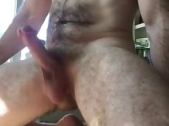 gay porn muscle : first time gay blowjob